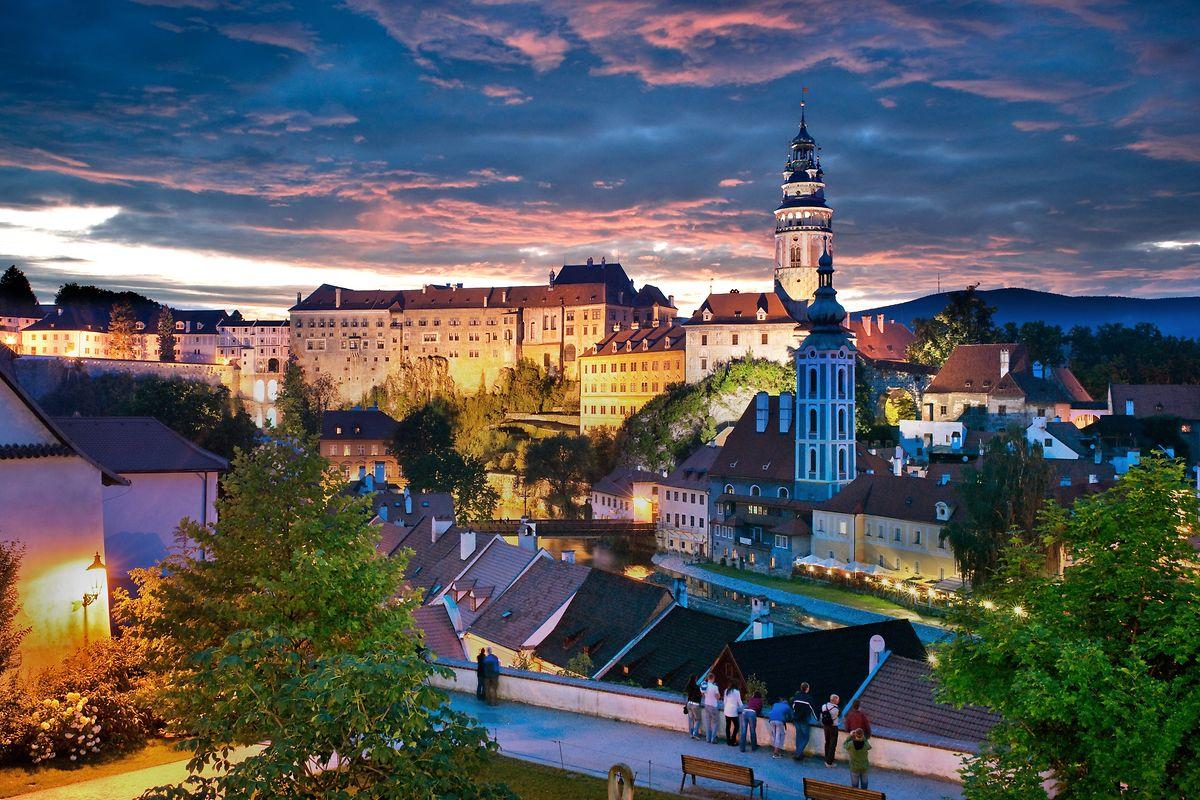 Die pittoreske Burg, das Schloss und die Altstadt von Ceský Krumlov gehören zu den bedeutendstenBaudenkmälern Mitteleuropas.