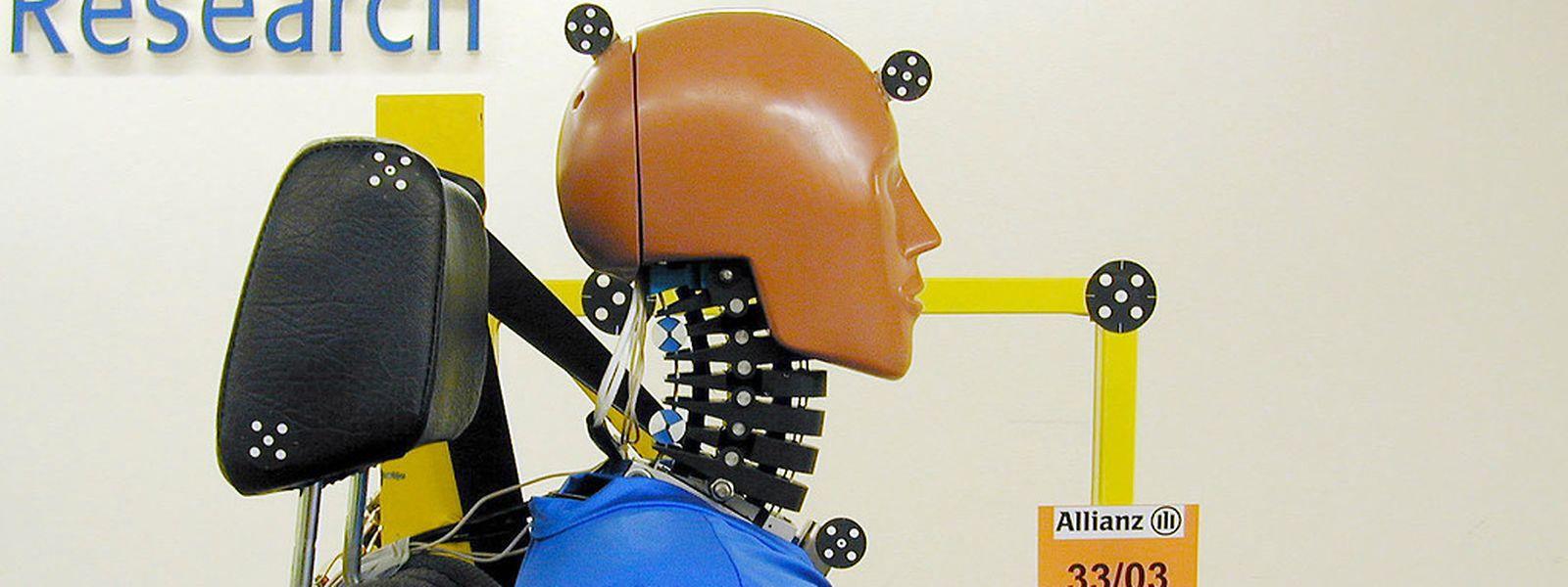 Puppe, fest im Sitz: Unfall-Simulationen mit Crashtest-Dummys sind Voraussetzung dafür, dass Autohersteller für einzelne Modelle die Typenzulassung erhalten.