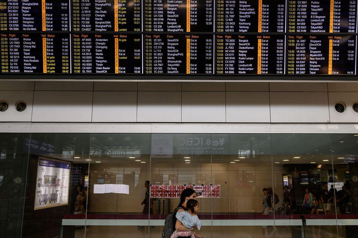 Au lendemain d'une manifestation qui a amené à la fermeture de l'aéroport de Hong Kong, des centaines de vols restaient annulés ce mardi.