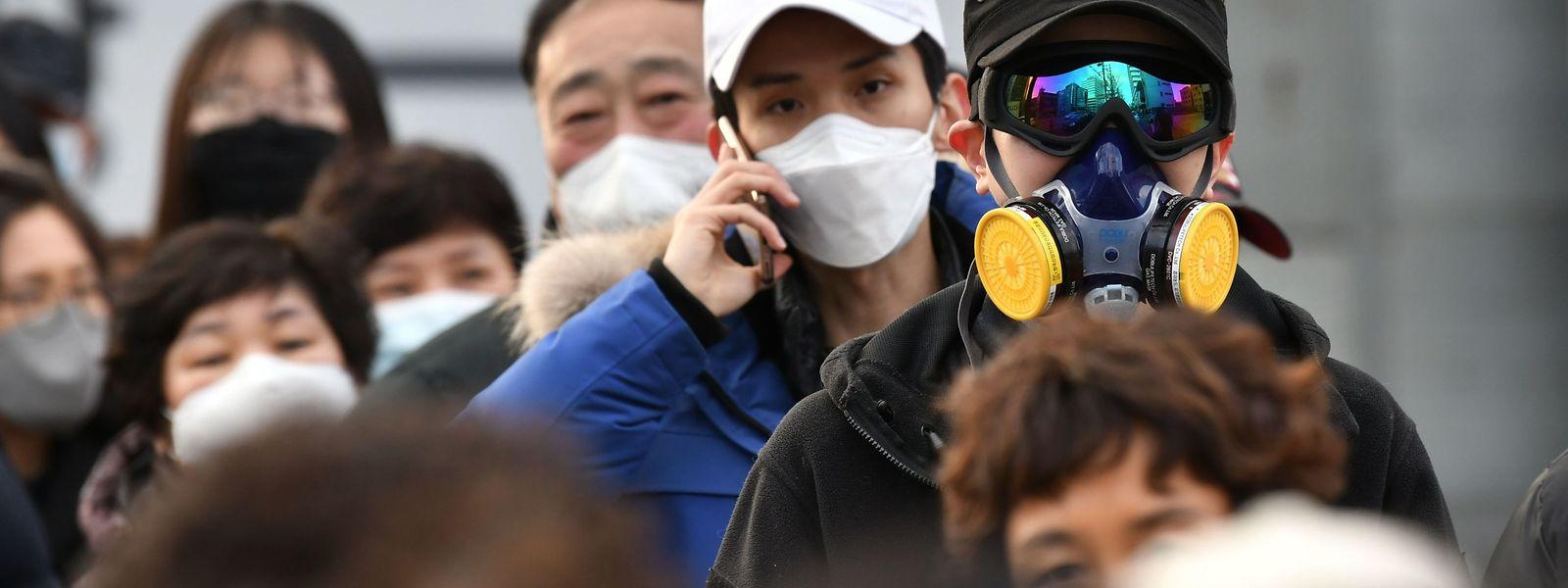 Auch in Südkorea schützen sich die Menschen vor einer Ansteckung mit dem Corona-Virus.