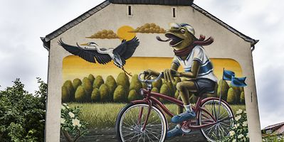 Koler village is worth a visit for the many murals painted on its buildings