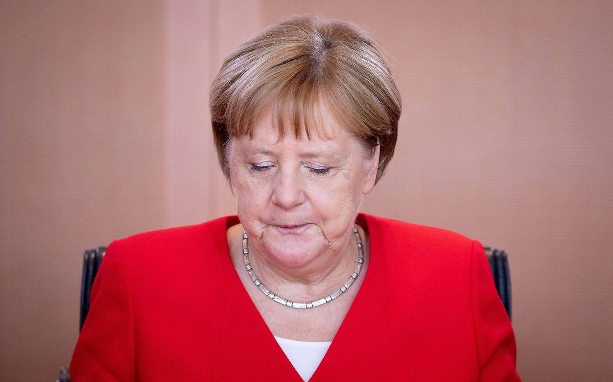 """Bundeskanzlerin Angela Merkel (CDU) warnte vor einem """"aggressiven Tonfall in Diskussionen"""", der Gewalt fördern könnte."""