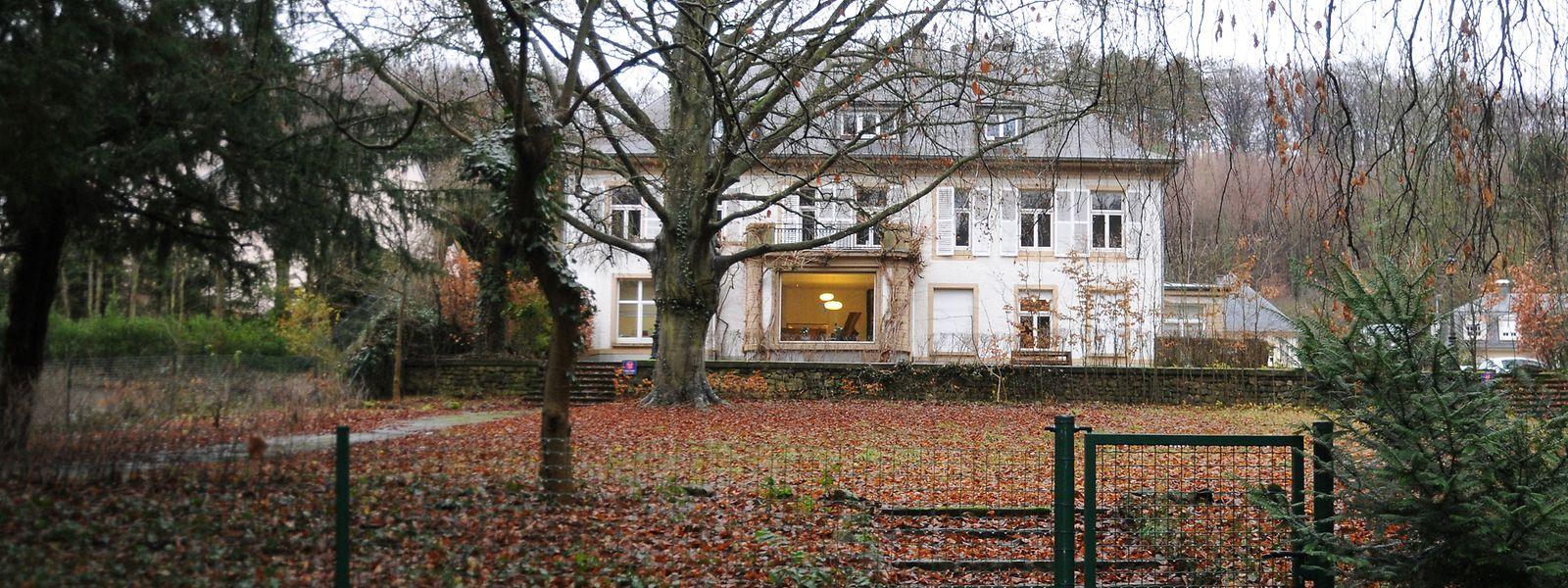 Am 13. Dezember 2012 kommt es in dem Gebäude einer Treuhandgesellschaft in Luxemburg-Mühlenbach zu einem Raubüberfall mit Geiselnahme. Die Täter hatten bereits am Vortag einen Geschäftsmann in seiner Wohnung überfallen.