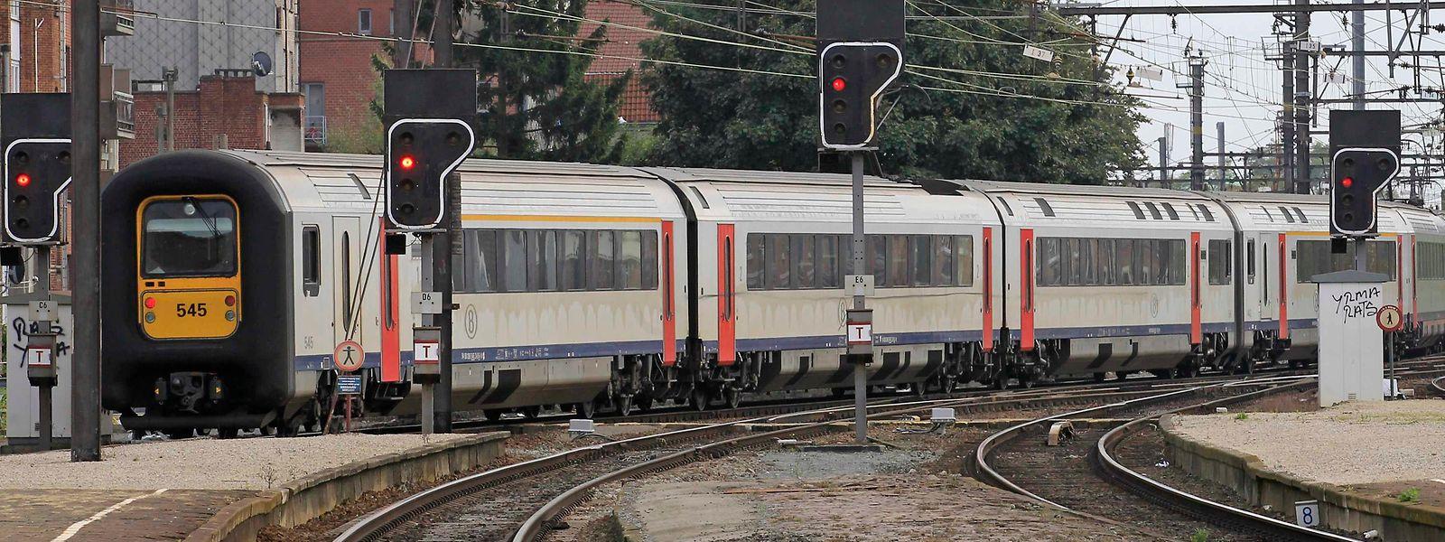 Entamés depuis 2007, les travaux de modernisation de la ligne Bruxelles-Luxembourg dureront encore plusieurs années, confirme mardi François Bausch.