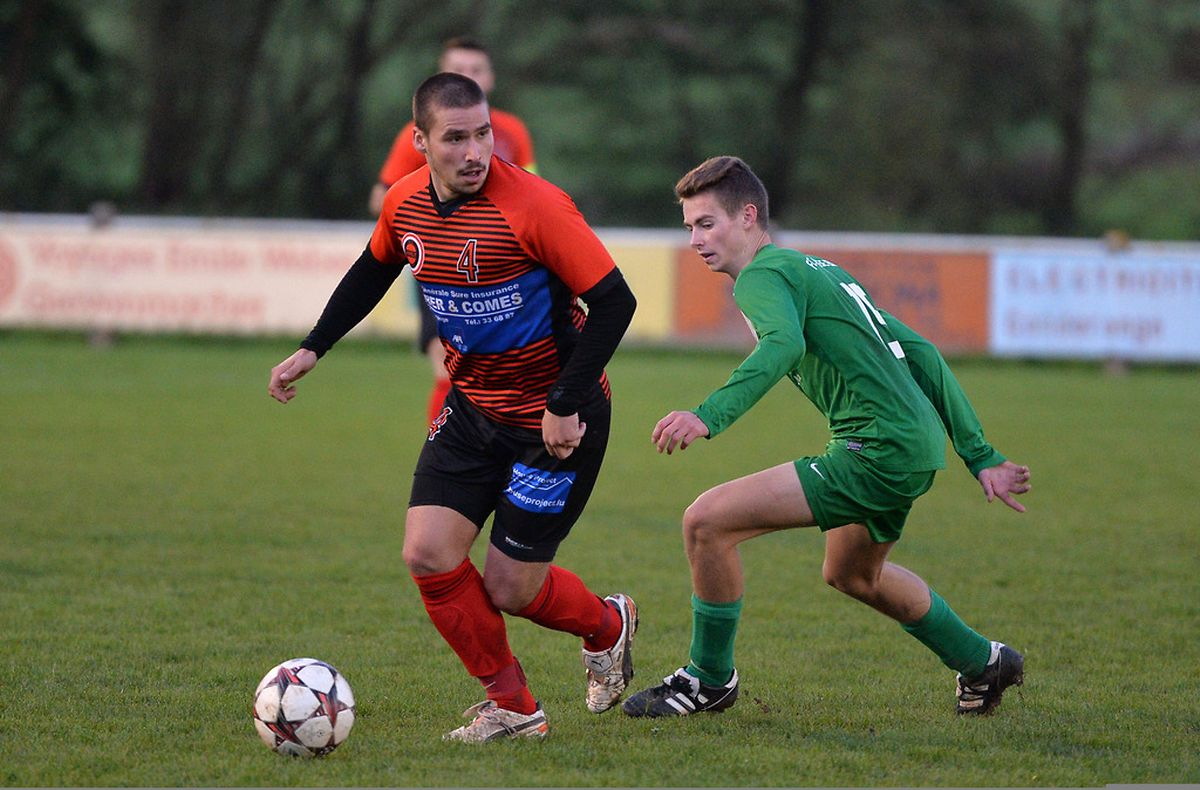 Luis Saleguero sous la menace de Sascha Welsch mais Aspelt s'est imposé 2-0 sur la pelouse de Biwer.