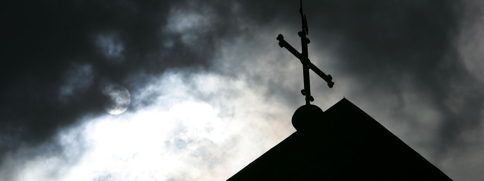 Eine Studie beweist massiven Missbrauch in katholischer Kirche.