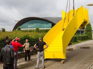 """""""Dendrites"""": la sculpture de 9 tonnes offre une vue sur le parc d'une hauteur de sept mètres."""
