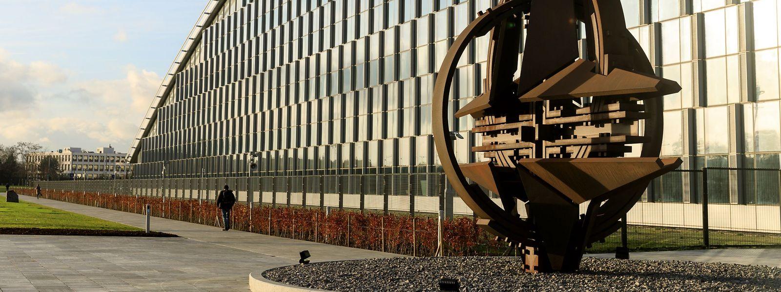 Das Hauptquartier der Nato in Brüssel. Deutschland wird künftig einen genauso hohen Anteil an den Gemeinschaftskosten der Nato tragen wie die USA.