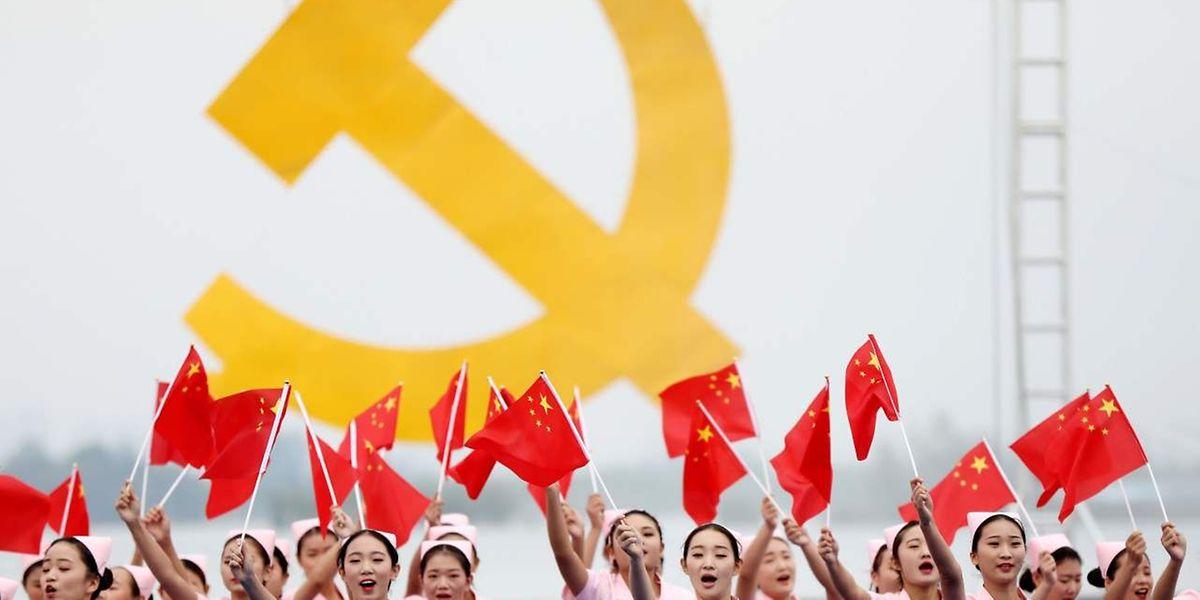 Offiziell wird der Parteitag vom Volk gefeiert.