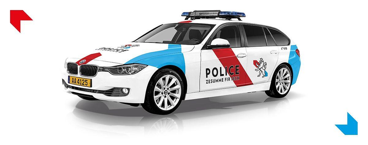 Les voitures, ornées du nouveau slogan et des nouvelles couleurs