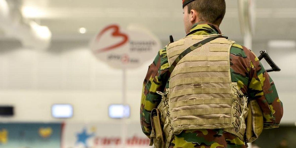 A l'avenir et «dans certaines régions et circonstances», les militaires belges ne devraient plus pouvoir utiliser leur appareil personnel lorsqu'ils quittent leur base.