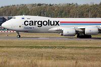 La majorité des vols de fret transporte des matières dangereuses. Plus question pour les salariés de voyager à bord.