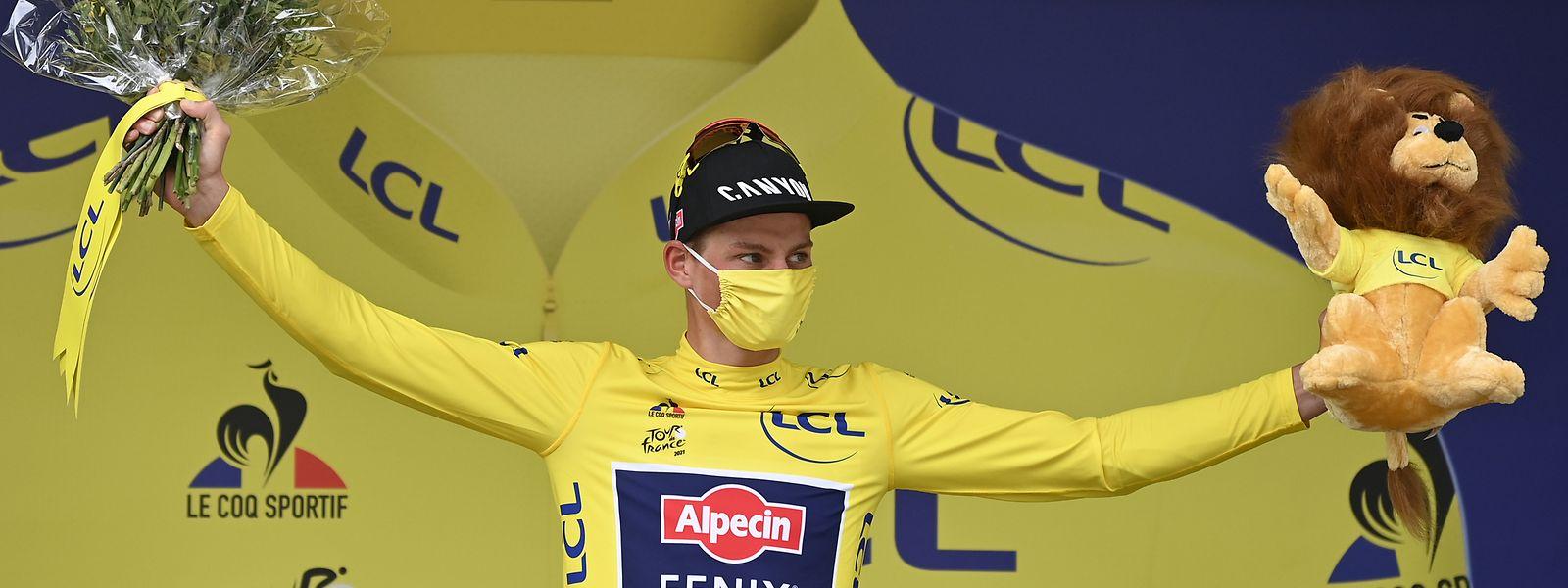 Mathieu van der Poel führt die Gesamtwertung weiterhin an.