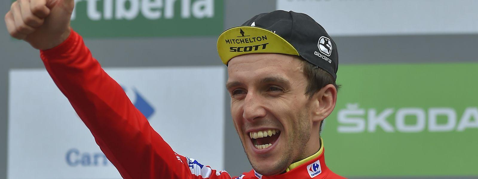 Der Fahrer von Mitchelton-Scott's British, Simon Philip Yates, steht vor dem Gesamtsieg.