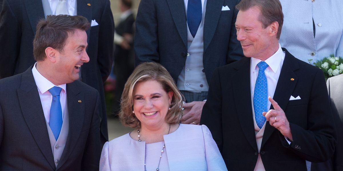 Bei bester Laune: Xavier Bettel, Großherzogin Maria Teresa und Großherzog Henri.