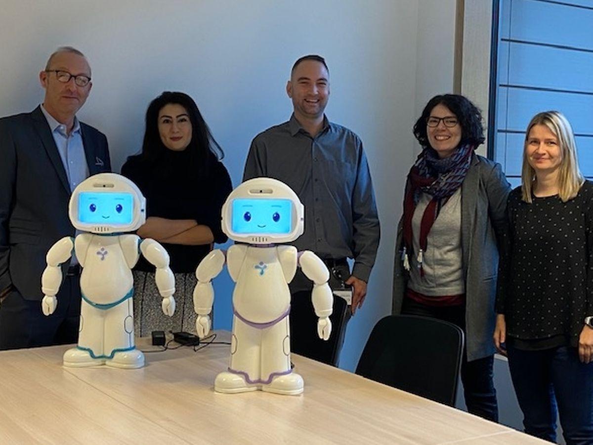 Financés à 100% par des dons et la fondation Majani, les deux robots sont de retour dans le lieu où ils avaient été perfectionnés après leur naissance.