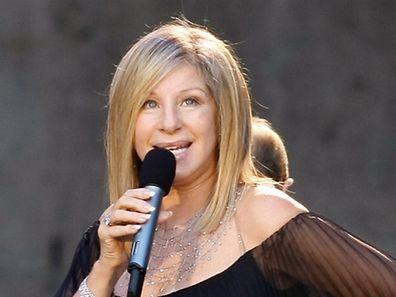 Barbra Streisand kündigt ein Konzert in Brooklyn an.