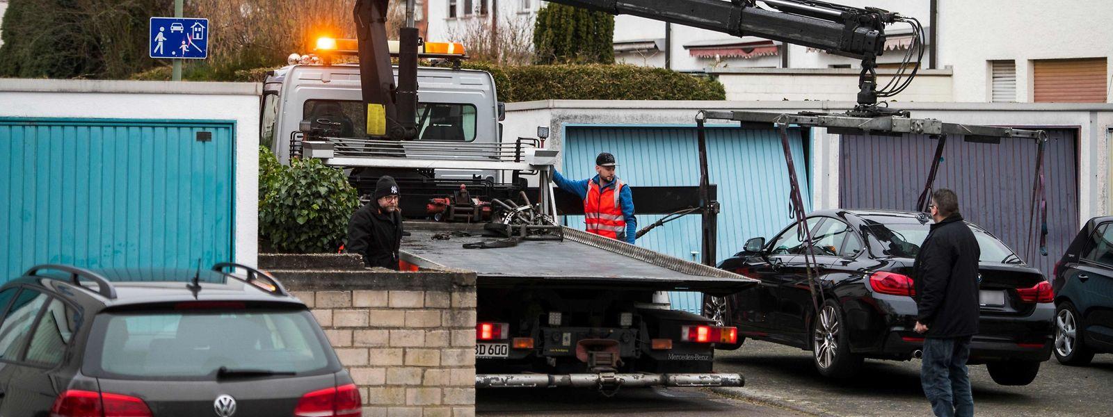 Les enquêteurs ont retrouvé dans la voiture du tueur présumé, Tobias R. des munitions et des chargeurs. Il détenait un permis de chasse.