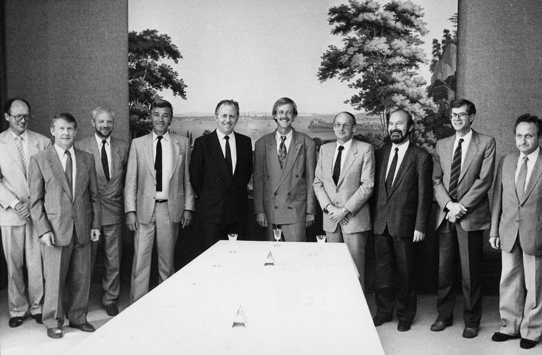 Aus den Händen von Staatsminister Jacques Santer übernahm Minister Alex Bodry am 18. Juni 1989 das Post-, Telekommunikations- und Informationsministerium.