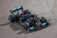 Mercedes' British driver Lewis Hamilton drives during the Bahrain Formula One Grand Prix at the Bahrain International Circuit in the city of Sakhir on March 28, 2021. (Photo by Giuseppe CACACE / AFP)