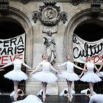 Funcionários da Ópera de Paris protestam com música e dança contra reforma de Macron