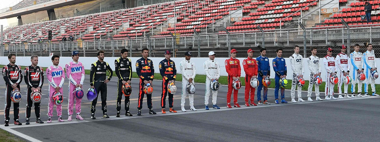 Die zehn Teams der Formel 1 bereiten sich in Spanien auf die kommende Saison vor.