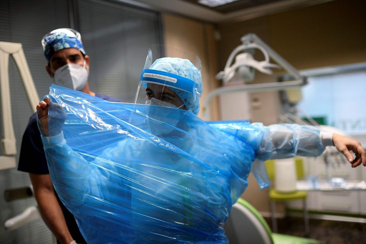 In die Madrider Krankenhäuser werden weniger Covid-Patienten eingeliefert.