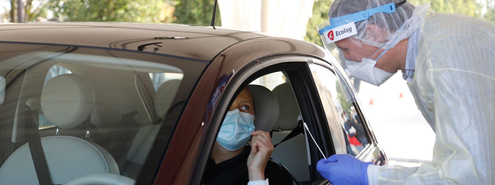 Grundlage für die Bewertung ist der Schwellenwert von 50 Neuinfizierten pro 100.000 Einwohnern in den vergangenen sieben Tagen.