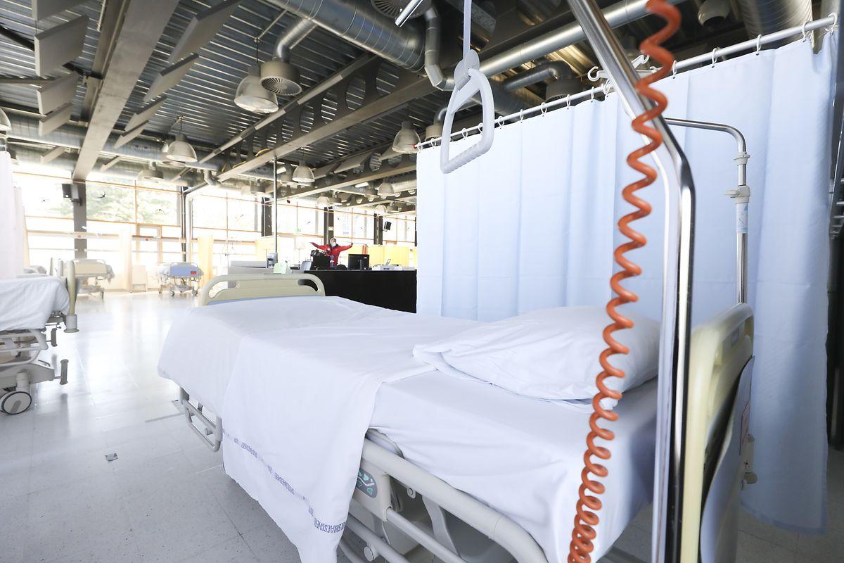 La cantine accueillera les patients dont le Covid-19 a endommagé les poumons et qui ont besoin d'oxygène. Actuellement 14 patients sont dépendants d'un respirateur artificiel au CHEM.