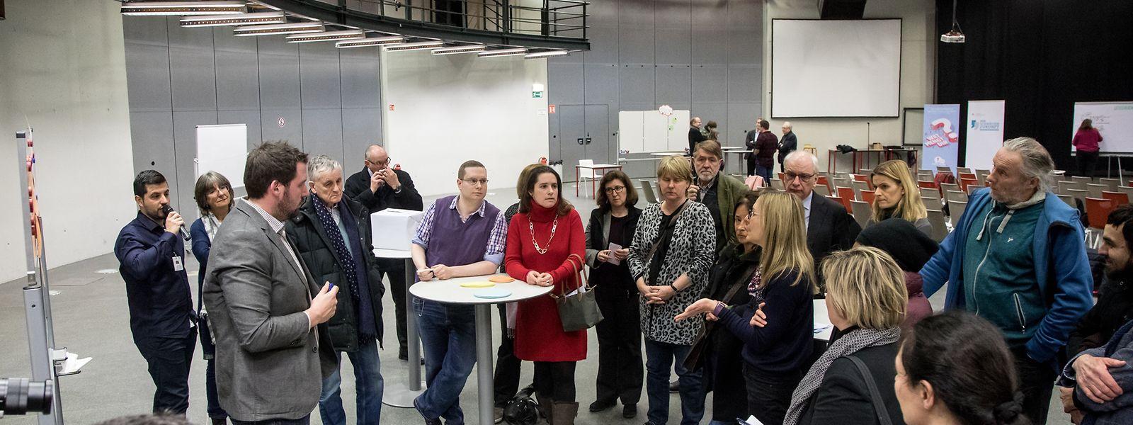 Bei den jeweiligen Veranstaltungen wurde, wie hier am 28. Februar 2018 auf dem Campus Geesse-knäppchen, rege über Vorschläge zur Förderung des Luxemburgischen debattiert.