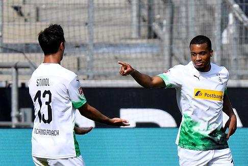 Bundesliga: Kniefall bei Gladbach-Sieg