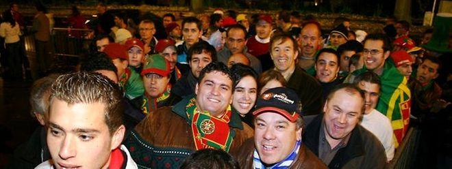 Enquanto o futebol suscita paixões, a campanha para as eleições presidenciais deixa os portugueses indiferentes