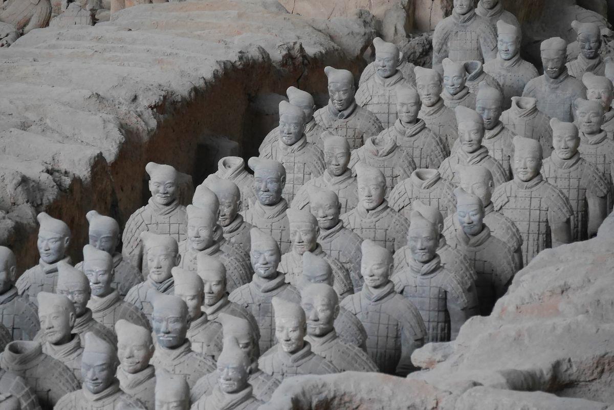 Terrakotta-Armee: Über 7000 Tonsoldaten begleiteten Kaiser Qin Shihuangdi nach seinem Tod ins Jenseits.