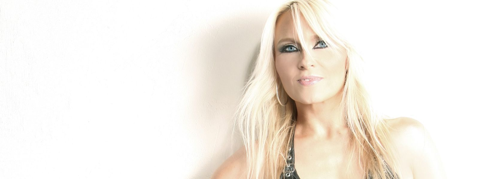"""Doro Pesch ist am 11. November zu Gast in Luxemburg. Die """"Queen of Metal"""" genießt auch nach 35 Jahren auf der Bühne noch jeden Auftritt."""