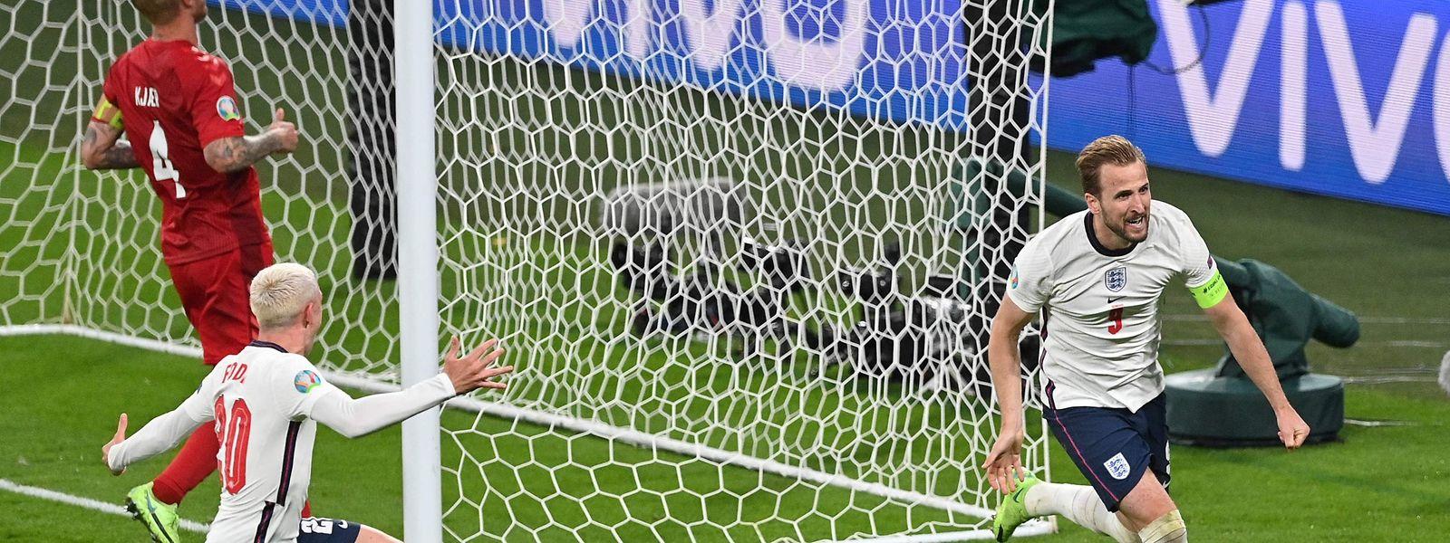 Harry Kane (r.) schießt England ins Finale.