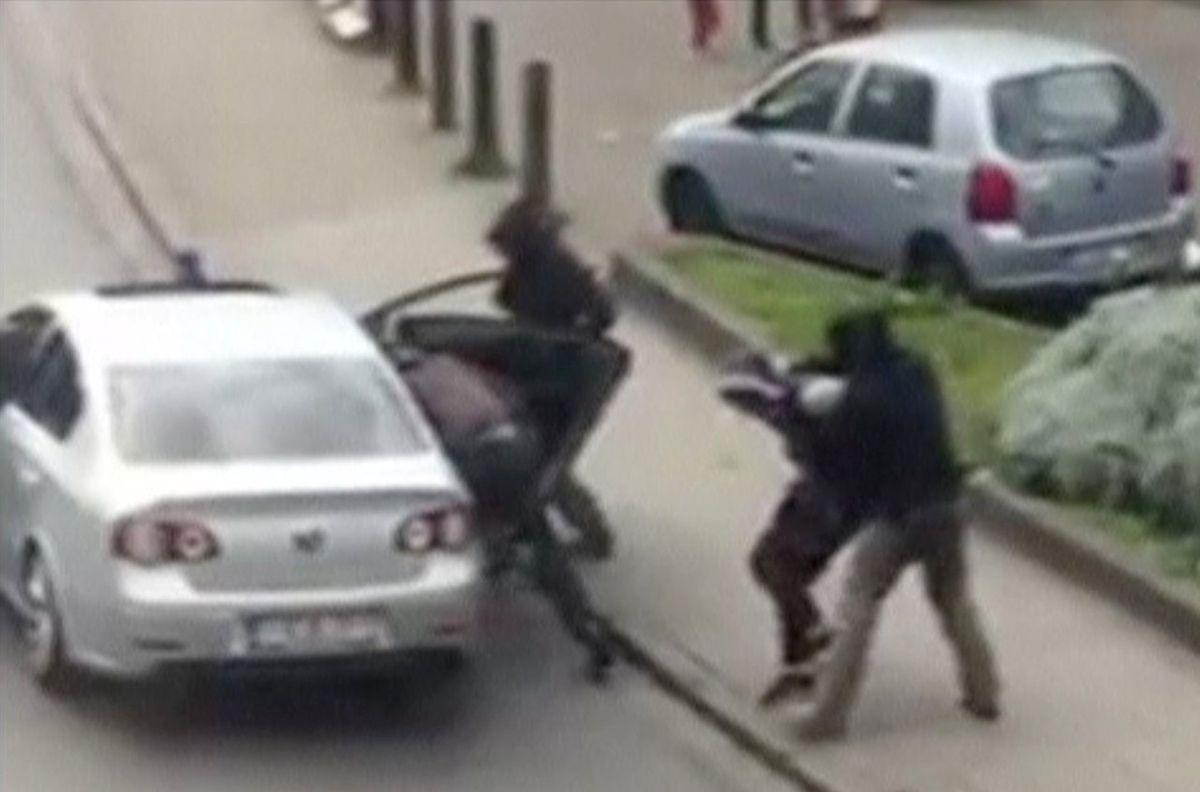 Auf diesem Video-Grab ist die Polizeiaktion in Anderlecht zu sehen.