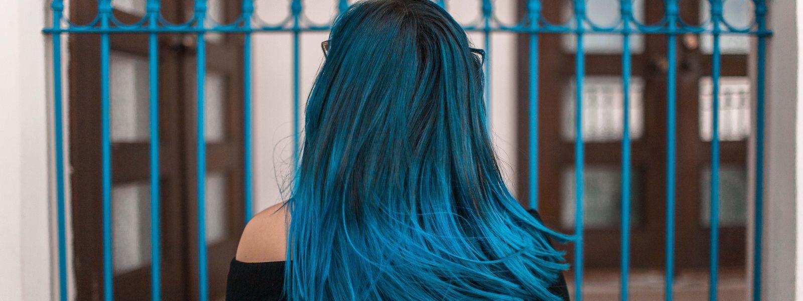 Mit Farbmasken sind intensive Veränderungen möglich, die nur wenige Haarwäschen lang halten.