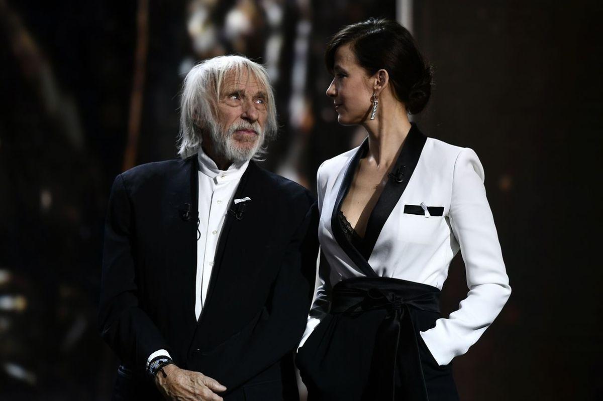 Schauspieler Pierre Richard und Sophie Marceau haben an der Zeremonie teilgenommen.