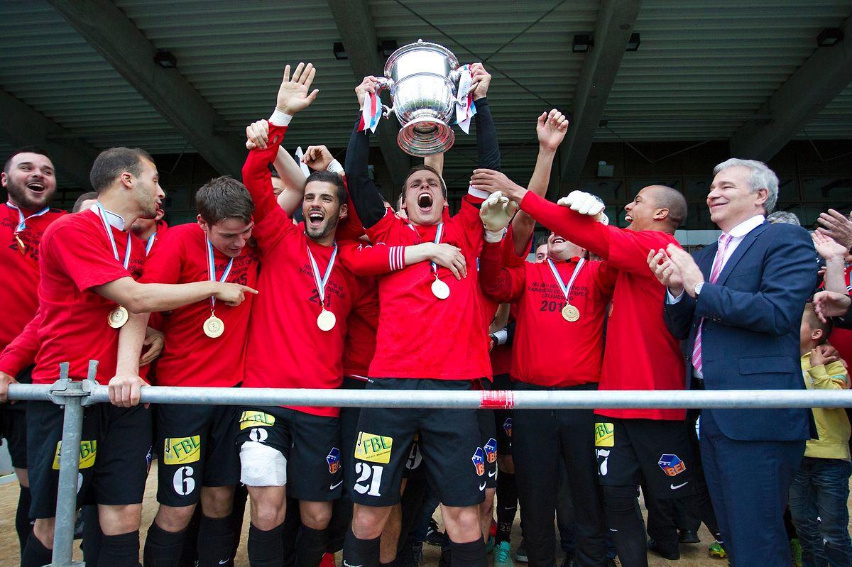 Mathias Jänisch (21) und seine Teamkollegen feierten den Pokalgewinn ausgelassen.