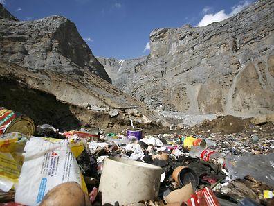 Im Himalaya-Gebirge ist Müllverschmutzung ein großes Problem.