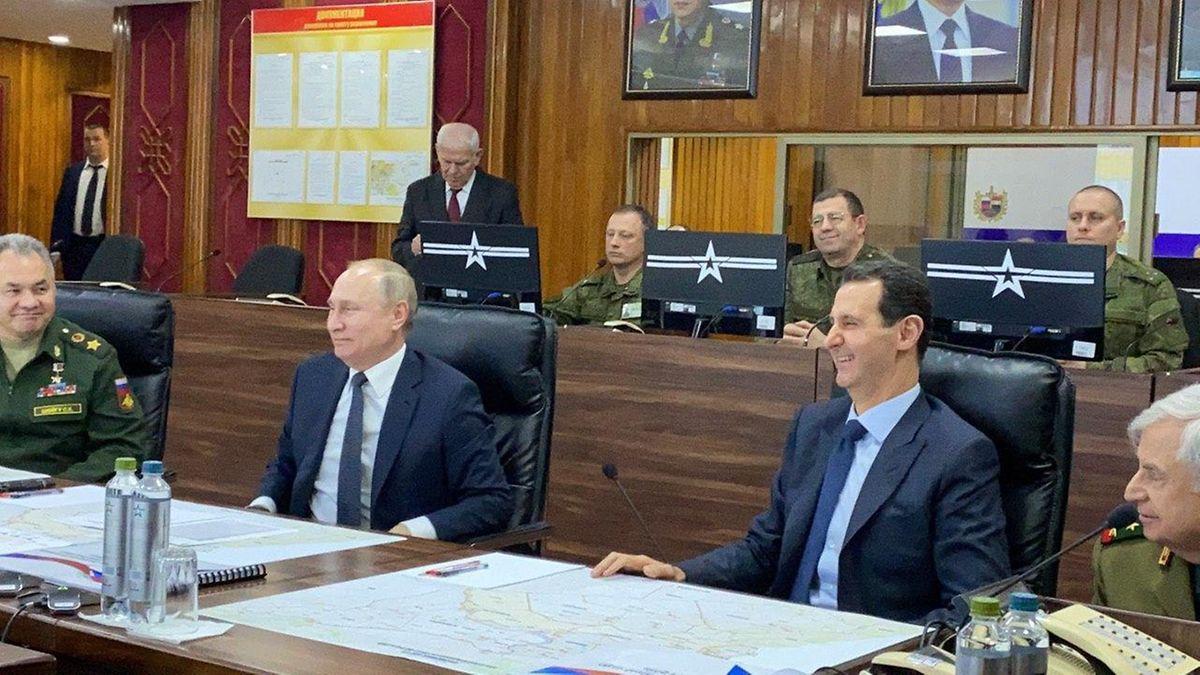 Gute Laune beim bilateralen Treffen im Hauptquartier der russischen Streitkräfte in Damaskus.
