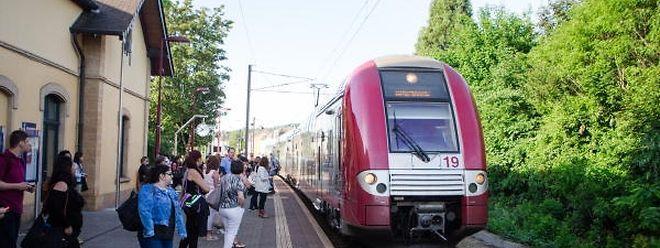 In Zukunft soll es nur noch zwei direkte Zugverbindungen pro Tag zwischen Düdelingen und der Hauptstadt geben. Für die Gäste aller anderen Verbindungen zwischen den beiden Städten gilt es künftig in Bettemburg umzusteigen.