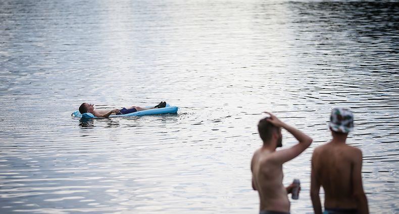 Häufig werden die Gefahren beim Schwimmen in offenen Gewässern unterschätzt.