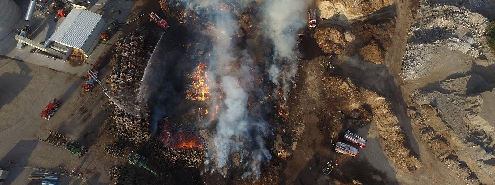 Im Sommer 2019 brauchte es mehrere Tage um den Großbrand bei Kronospan zu löschen.