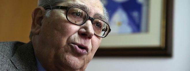 António Arnaut faleceu hoje, em Coimbra, aos 82 anos.
