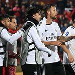 Benfica triunfa nos Açores