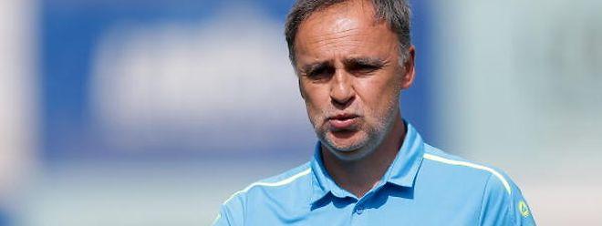 Emilio Ferrera a payé la défaite de trop à Hostert, samedi