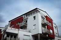 Am 25. September 2016 werden in einem Penthouse in Bereldingen die Leichen einer 30-jährigen Frau und eines 31-jährigen Mannes geborgen. Tage später gerät ein 26-jähriger Polizist unter Mordverdacht.