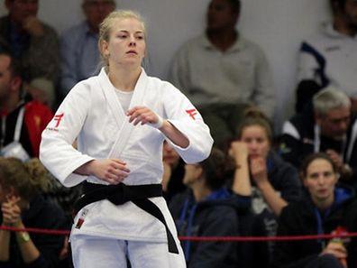 Manon Durbach darf die Delegation ins Stadion führen.
