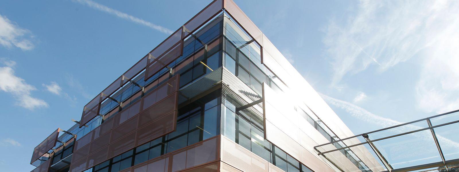 Das ehemalige Amazon-Gebäude in Clausen. In diesen Büros arbeiten seit Ende Januar Beamte und Angestellte des Bildungsministeriums.
